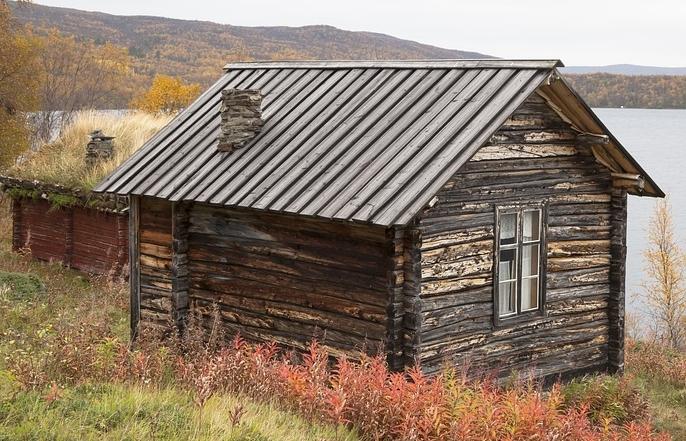 ログハウス、梅雨のカビ対策や掃除方法は?湿気で結露とカビの問題が!