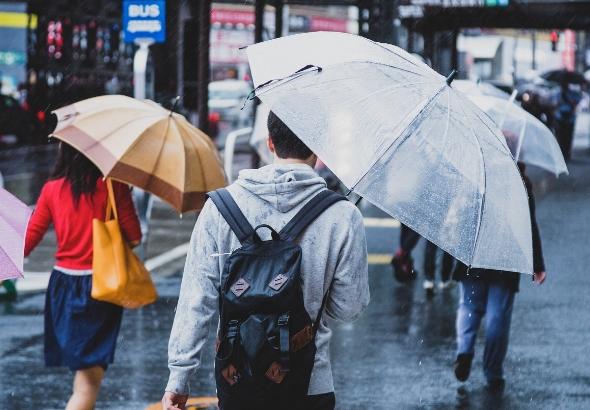 梅雨のジメジメ対策!部屋の湿度を下げる方法。最適で理想の湿度は?